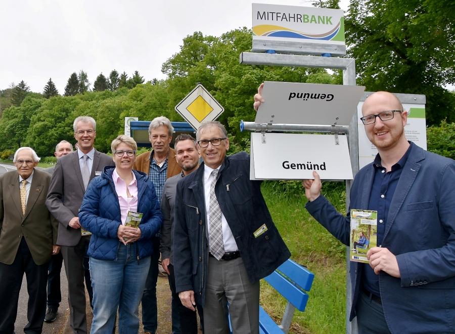 """Startschuss für das Projekt """"Mitfahrbänke Nordeifel - Nimm doch ene mit"""""""